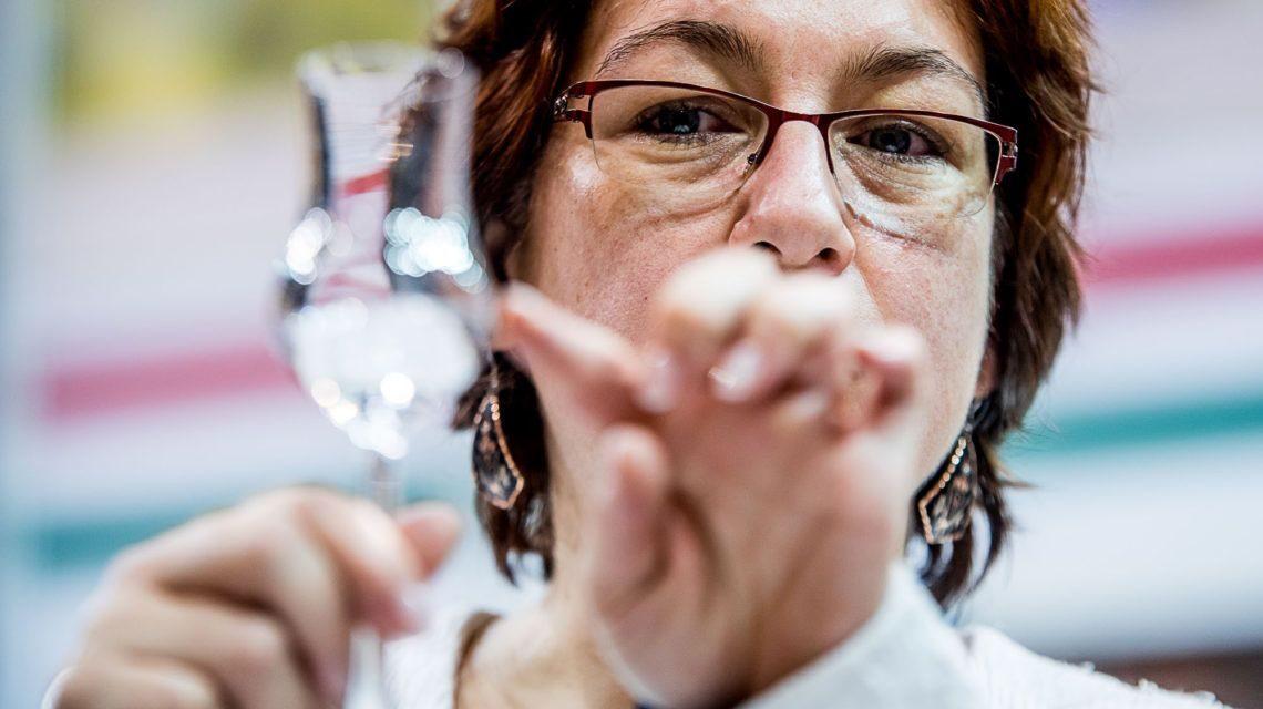 A Nébih ellenőrzi a pálinkaforgalmazókat