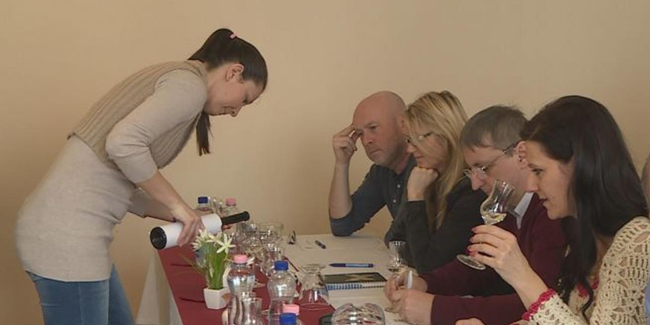 Hungarikumok versenyeznek a Brillante párlatversenyen