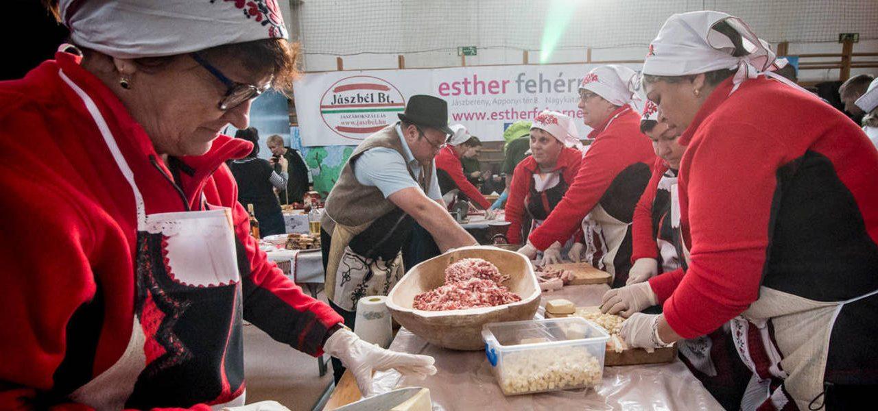 Kolbásztöltő fesztivál Jászberényben